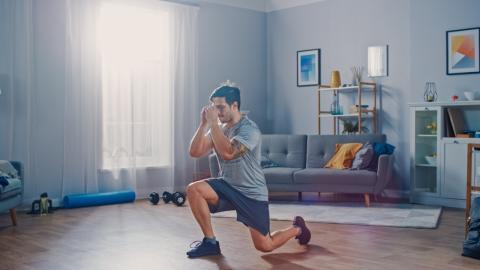 Fit ohne Fitnessstudio: Mit Bodyweight-Übungen durch die Quarantäne