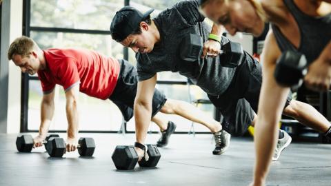 Trainingssätze vs Belastungszeit: Darauf kommt es beim Krafttraining wirklich an