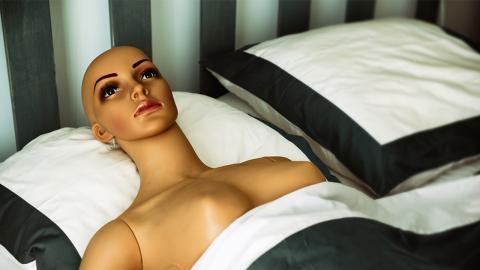 Experten warnen: So gefährlich kann der Gebrauch von Sexrobotern sein!