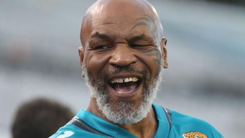 Grandios: Mike Tyson beweist in einem Trainingsvideo, dass er immer noch in Bestform ist