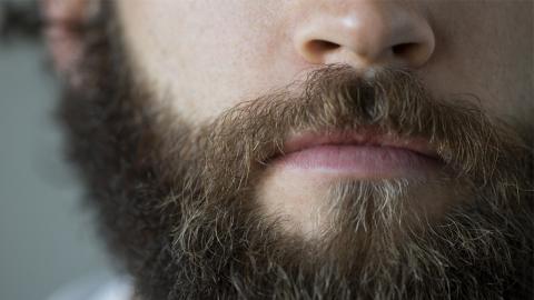 Mann kann von Jahr zu Jahr schlechter atmen: Dann finden Ärzte den erschreckenden Grund in seiner Nase!