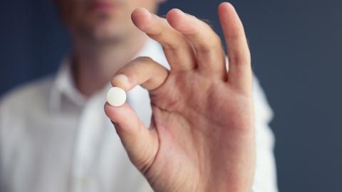 """Nicht unmännlich, sondern gleichberechtigt: Paar erzählt von ersten Erfahrungen mit """"Pille für den Mann"""""""