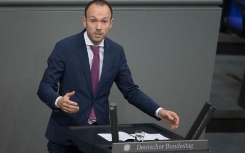 Nach Maskenaffäre: Nikolas Löbel darf 250.000 Euro Provision behalten