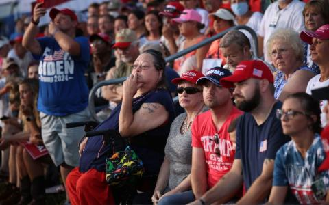 Von eigenen Fans ausgebuht: Donald Trump äußert sich zum Thema Corona-Impfung