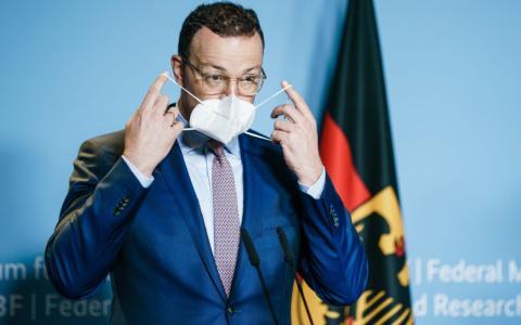 """""""Im ersten Quartal 2022"""": Jens Spahn kündigt Impfstoff für unter 12-Jährige an"""