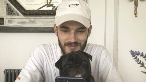 PewDiePie: Der Gamer bringt wahrscheinlich aus Versehen seinen Hund Sven auf tragische Weise um