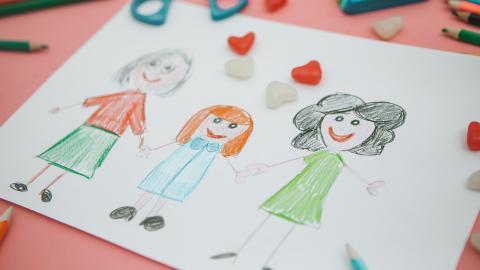 Diskriminierung von Regenbogenfamilien: Besonders die Kinder leiden unter diesem Gesetz