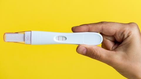 Positiver Schwangerschaftstest bei Männern: Zeichen für bestimmte Krankheit