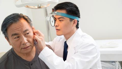 Ungewollter Besuch: Arzt ist fassungslos, was er im Ohr seines Patienten entdeckt