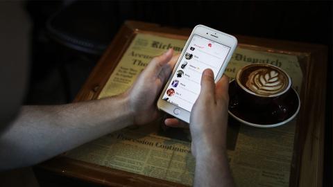 Begehrtester Tinder-User lernt dank seiner 14.500 Matches seine Traumfrau kennen