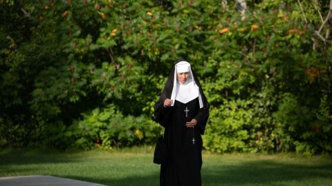 Hunderttausende Dollar veruntreut: Spielsüchtige Nonne wird jetzt vor Gericht angeklagt
