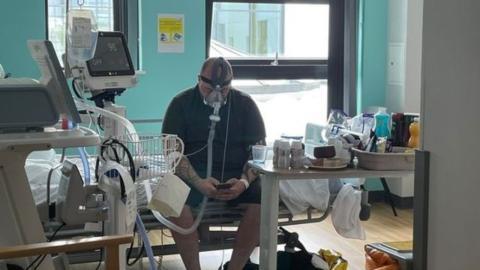 Nach 2 Wochen künstlichem Koma: Impfskeptiker stirbt an Covid-19