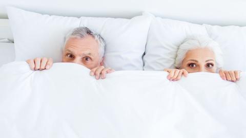 Laut einer Studie schädigt ein Mangel an sexueller Aktivität den Körper im Alter