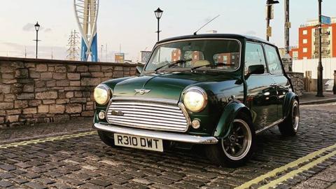 Der Original-Mini feiert sein Comeback als E-Auto
