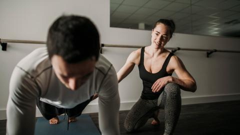 Perfekte Bauchmuskeln: Diese Fehler solltet ihr beim Training vermeiden, damit es klappt
