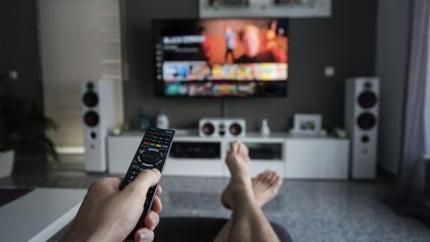 """Netflix-Serie """"Dunkle Leidenschaft"""": Perfekte Kombi aus """"You"""" und """"50 Shades of Grey"""""""