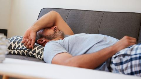 Mittel gegen Kater: Mit diesen Tipps habt ihr am Morgen keinen dicken Kopf