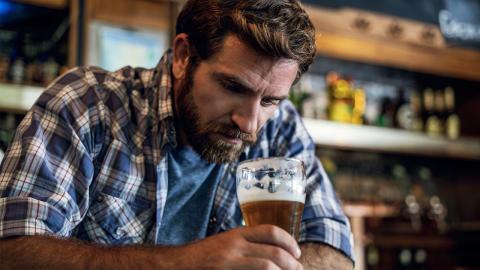 Alkoholkonsum kann Vegetariern eine böse Überraschung bescheren