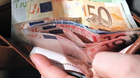 Geld: Die 50-20-30-Regel verhindert leere Kassen am Monatsende