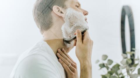 Eine Frage des Timings: Wir verraten dir den besten Zeitpunkt, um dich zu rasieren