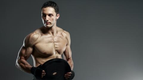 Vier goldene Regeln: So baust du mit Krafttraining mehr Muskeln auf