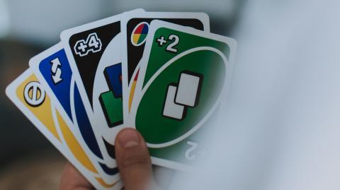 UNO-Macher sprechen Klartext: So spielt man das Spiel richtig