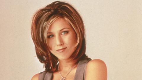 """Deshalb sieht man bei Jennifer Aniston in """"Friends"""" immer die Brustwarzen durch die Kleidung"""