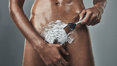 Mann benutzt Enthaarungscreme vor Date: Das bereut er ganz schnell!