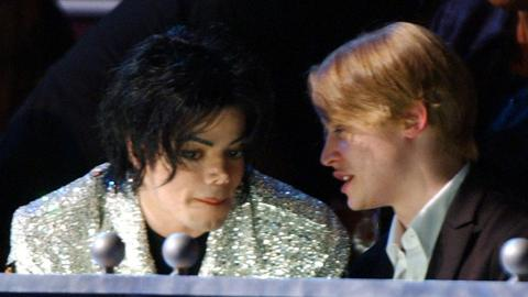 """Er hat mir nie was angetan"": Macaulay Culkin nimmt Michael Jackson in Schutz"