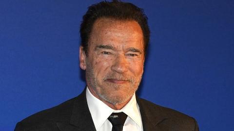 """""""We'll be back"""": Arnold Schwarzenegger sorgt mit Terminator-Maske für Furore"""