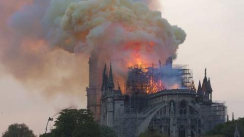 Netflix: Neue Serie zum Brand der Notre-Dame von Paris in Planung