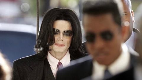 Michael Jackson: Neue erschreckende Details von seiner Autopsie aufgetaucht