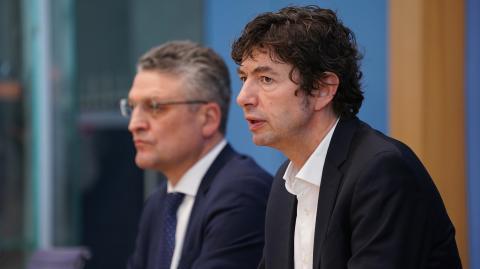 Drosten & Co.: So viel verdienen Merkels Corona-Berater