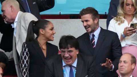 David Beckham bei EM-Spiel: Wer ist die Frau an seiner Seite?