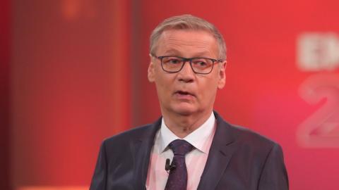 """""""Wer wird Millionär"""": Kandidat bringt Günther Jauch mit Zettel-Trick aus dem Konzept"""