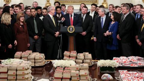 McDonald Trump: Diese McDonald's-Produkte liebt er - und das in rauen Mengen!