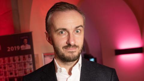 Jan Böhmermann: So viel verdient der Satiriker