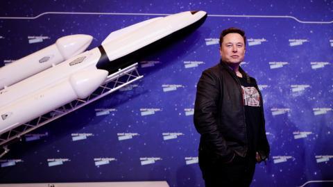 """""""Er bekommt ihn nicht hoch"""": Elon Musk setzt sich im Nasa-Streit gegen Jeff Bezos durch"""