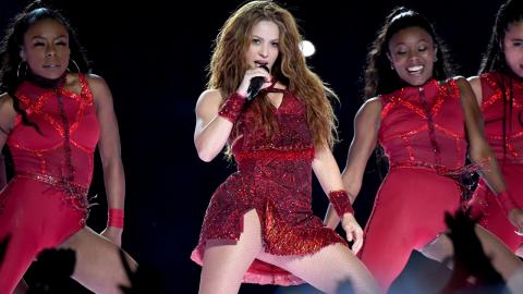 Shakira von zwei Wildschweinen angegriffen: Handtasche geklaut!